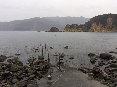 西伊豆安良里・黄金崎公園ビーチの今朝の海況です。画像クリックでダイビング情報へ!